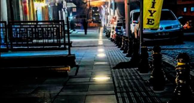 Hisarpark Caddesi ışıl ışıl oldu