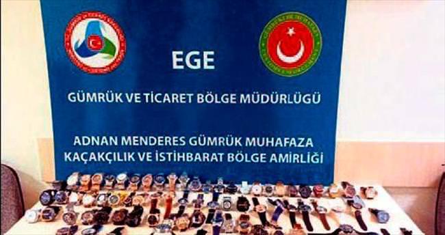 İzmir'e 76 kaçak saat getiren kişi yakalandı