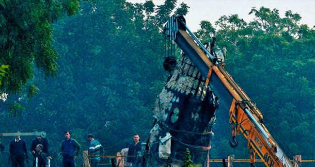 Hindistan uçağı duvara çarptı! 10 ölü