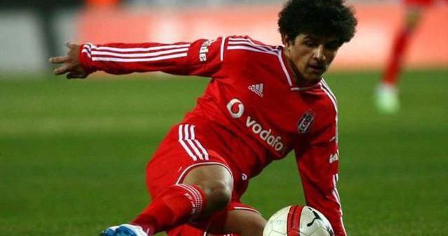 Beşiktaş'ın genç futbolcusu sakatlık şokuyla yıkıldı