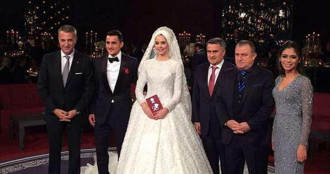 Beşiktaş'ın kafilesinde yeni evli Pektemek'te yer aldı