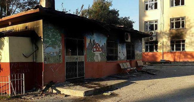 PKK Mersin'de okul yaktı!