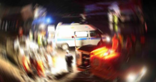 Çanakkale'de otomobil çaya devrildi: 3 yaralı