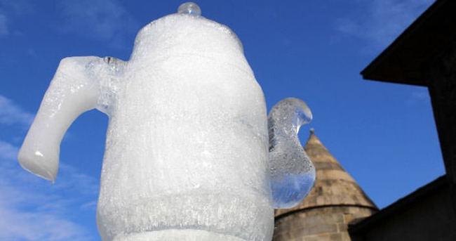Erzurum'un soğuğunu sanata çevirdiler