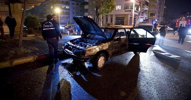 Polisten kaçan şüphelinin otomobili yandı