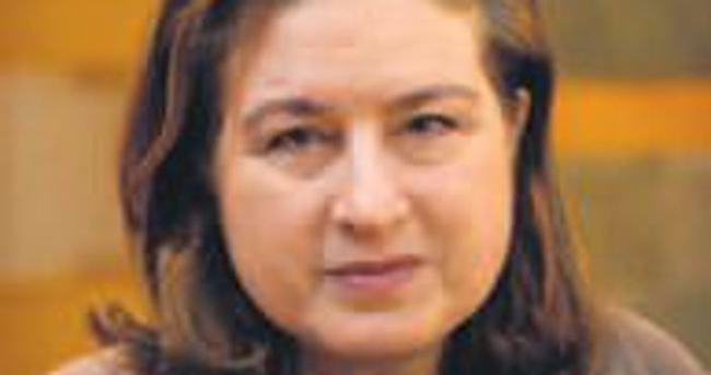 Uygurları anlatan gazeteciye sınırdışı
