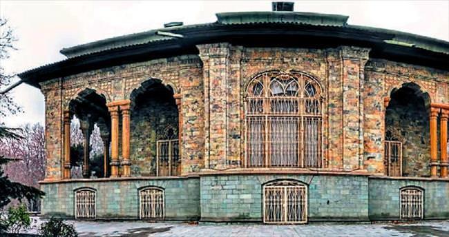 Saraylar şehri Tahran