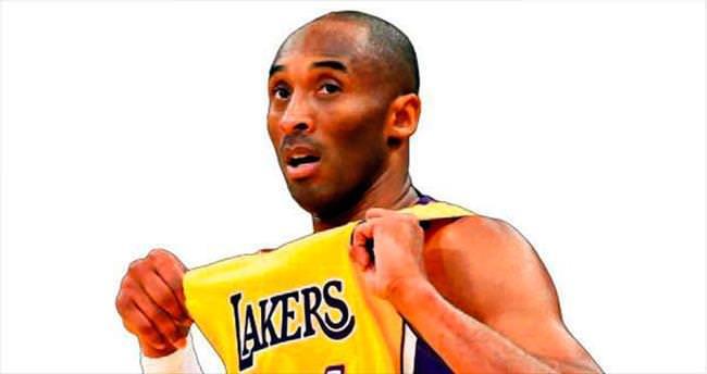 Kobe ikiye katladı