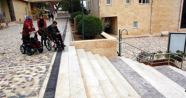 Engelliler 'ulaşılabilir üniversite' kuruyor