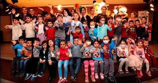 LÖSEV çocukları yılbaşını kutladı