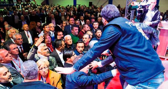 CHP'de yine olaylı kongre