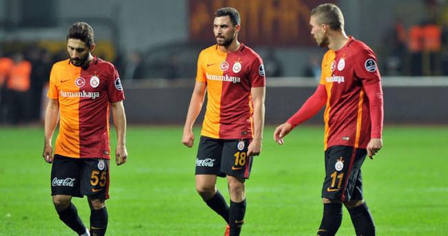 Galatasaray 50 günde büyük kayıp yaşadı