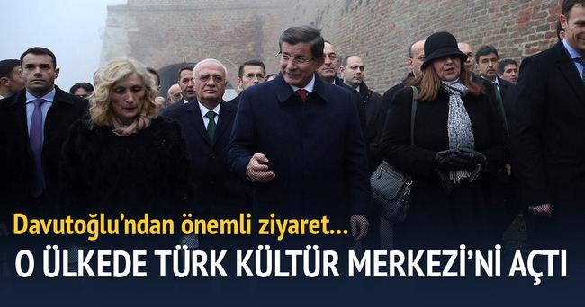 Başbakan Davutoğlu Sırbistan'da