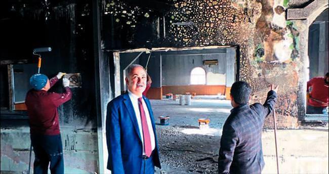 Belediye yanan camiye sahip çıktı
