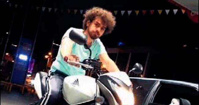 Motosikletli gençlerin 'biz de varız' eylemi