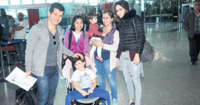 Emre Belözoğlu ailesiyle Dubai'ye uçtu