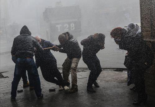 Diyarbakır'da izinsiz gösteri gerginliği