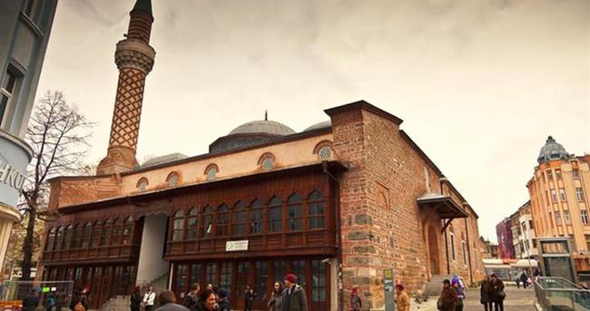 Bulgaristan'da cami kundaklayan kişiye verilen hapis cezası onandı