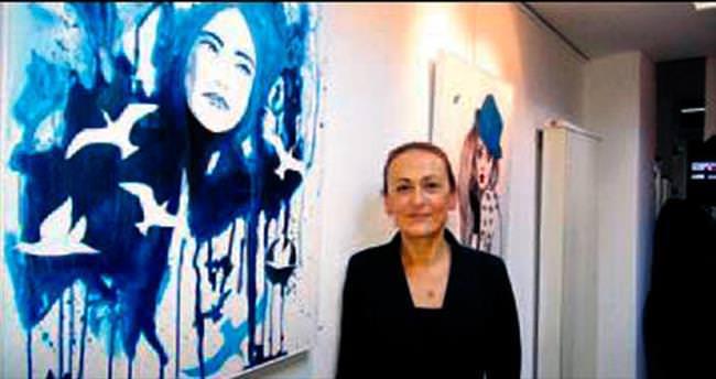 Galeri Kara'da kadın portreleri