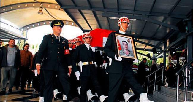 Diyarbakırlı şehit İzmir'de defnedildi