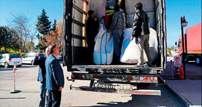 Yüreğir'den Türkmenlere 2 TIR yardım