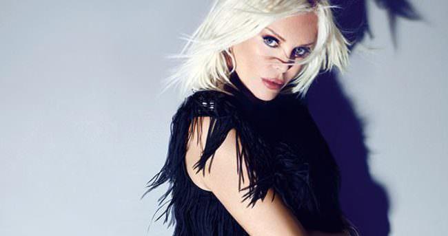 Ajda Pekkan vokalistini kovdu
