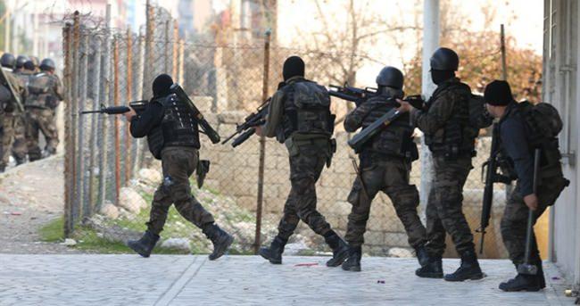 2 terörist öldürüldü 5 terörist yakalandı