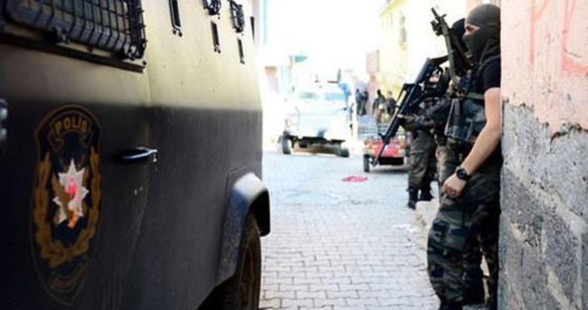 Operasyona katılan polislere 24 maaş taltif
