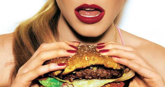 Fast food tüketenleri bekleyen büyük tehlike!