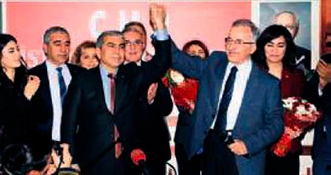 Hedefimiz İstanbul'un arka yakasının oyları