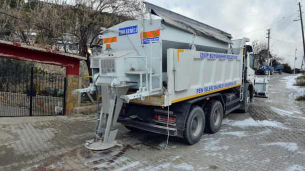 İstanbul'dan sonra İzmir'de de kar alarm