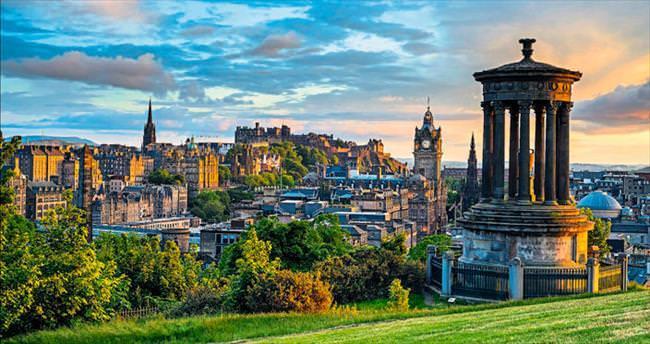 21. yüzyılda bir Ortaçağ şehri Edinburg