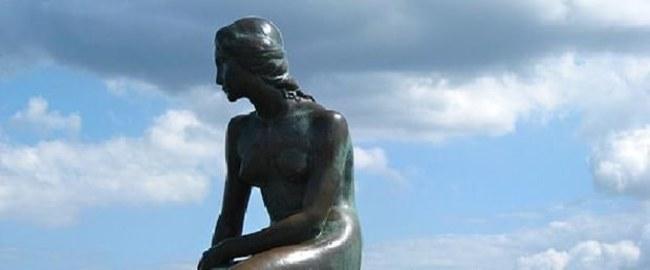 Facebook 'Küçük Deniz Kızı' heykelini sakıncalı buldu