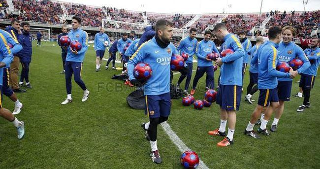 Barcelona, antrenmanını taraftarlara açtı