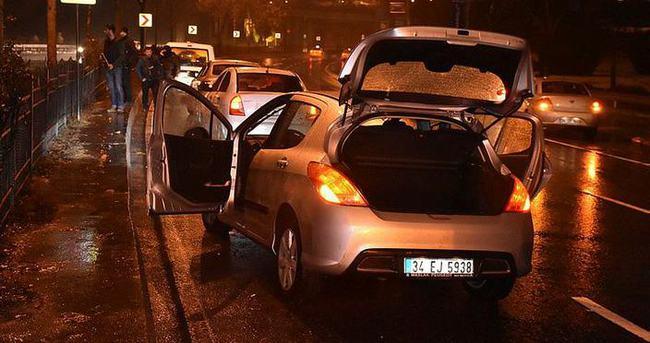 Polis aracına çarpıp kaçan araç terk edilmiş halde bulundu