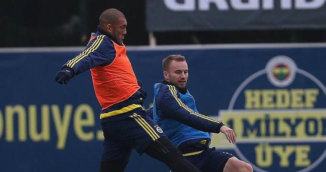 Fenerbahçe ikinci yarıya hazırlanıyor