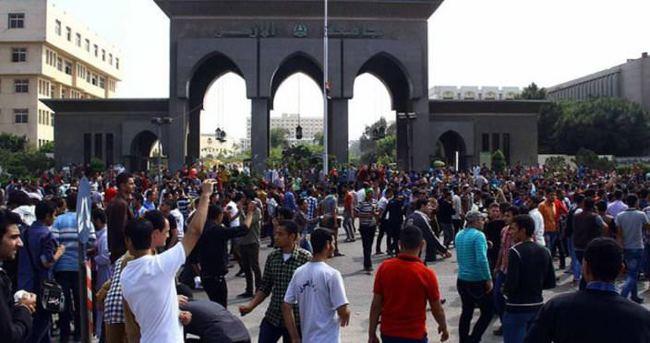 Mısır'da 11 öğrenciye hapis cezası