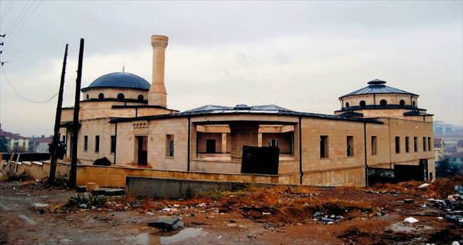 FETÖ'nün atıl projesi Kültür Sarayı olacak