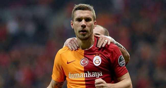 Podolski, Almanya'ya gitti