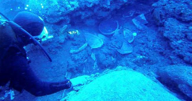 Marmaris'te 900 yıllık ticari tekne batığı