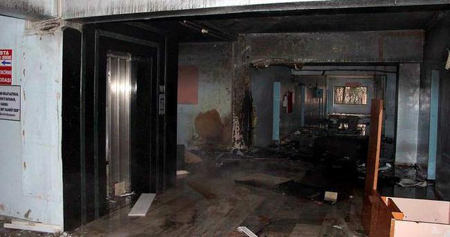 Nusaybin'de Devlet Hastanesi ateşe verildi