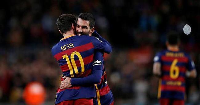 Arda Turan: Düşünsenize Messi ile aynı sahada...