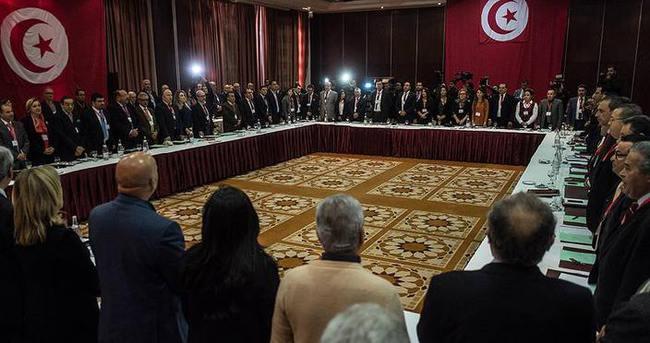 Nida Tunus Partisi'nin 16 milletvekili istifa etti