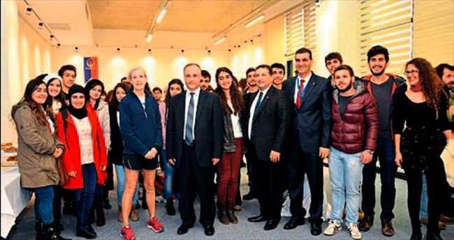 Adana BTÜ ve ABD dostluk maçına çıktı