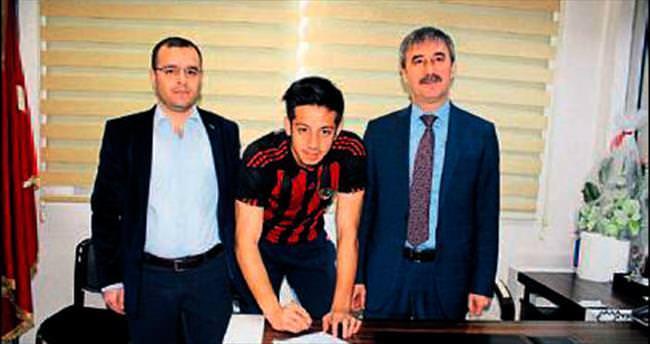 Turgutluspor'da Fatih imzaladı