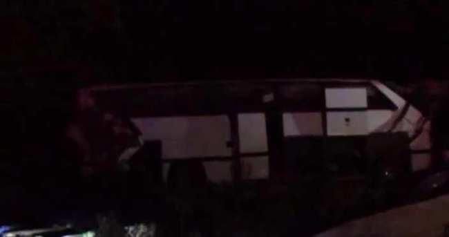 Mülteci taşıyan otobüs takla attı: 8 ölü, 39 yaralı