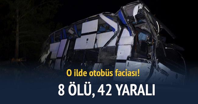 Balıkesir'de otobüs devrildi: 8 ölü 42 yaralı