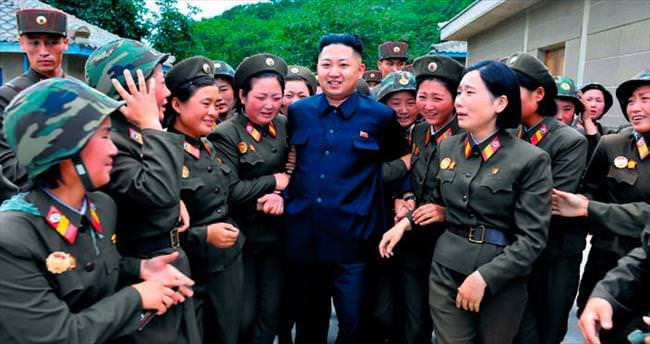 Peynir, havyar ve şampanya seven diktatör