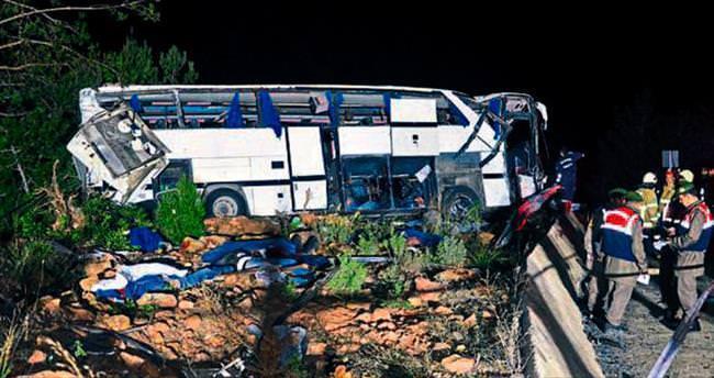 Balıkesir'de otobüs devrildi: 8 ölü, 48 yaralı