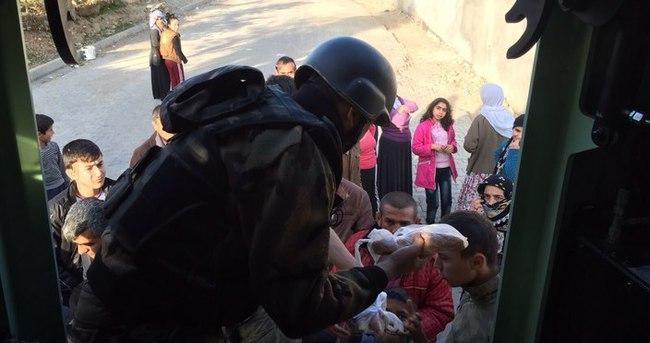 Cizre'de vatandaşlara gıda yardımı yapıldı!